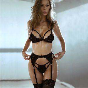 NEW! Black Lace Lingerie Set Bra Garter Panty Set